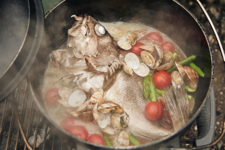 豪快鮮魚のアクアパッツァ